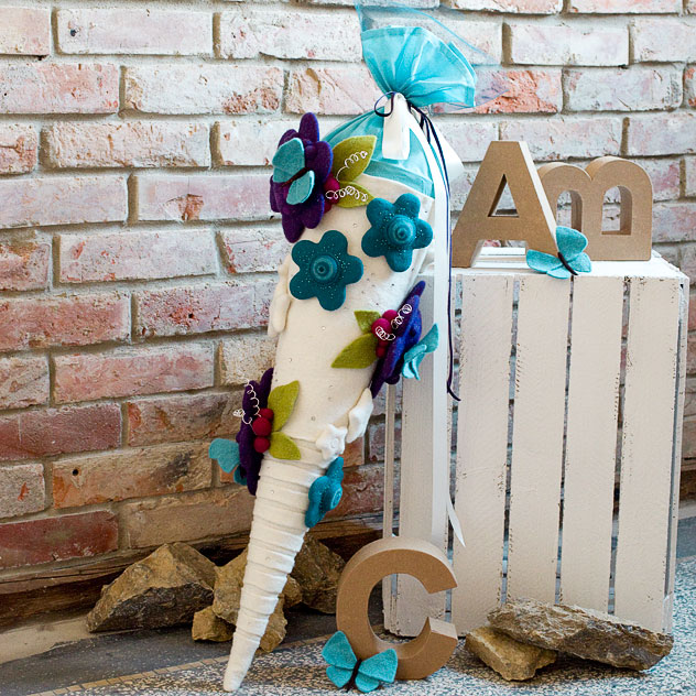 Schultüte | Pixi Fantasieblumen mit Schmetterlingen und Strass. Filzdesign von Doris Niestroj, handgefertigt