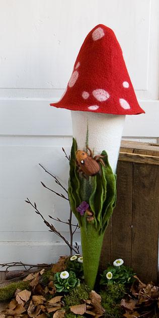 Schultüte | Fliegenpilz mit Käfer und Eicheln. Filzdesign von Doris Niestroj, handgefertigt.