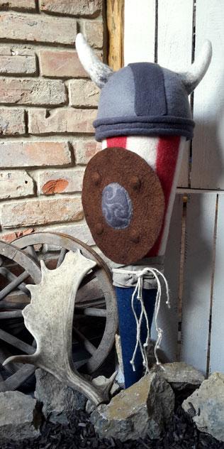 Schultüte | Wikinger mit Schild und abnehmbarem Helm. Filzdesign von Doris Niestroj, handgefertigt.