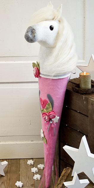 Schultüte | Pferd mit Rosen und Sternen. Filzdesign von Doris Niestroj, handgefertigt.