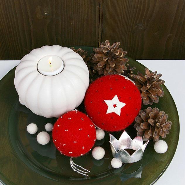 "Handgefertigter Weihnachtsschmuck aus Filz "" Weihnachtskugel – Kristall"". Doris Niestroj | Filz & Form."