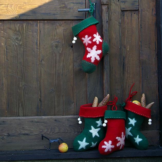 "Handgefertigter Weihnachtsschmuck Nikolausstiefel ""Schneeflocke"". Doris Niestroj | Filz & Form"