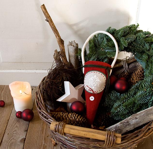 adventskr nze dekoratives f r weihnachten aus filz. Black Bedroom Furniture Sets. Home Design Ideas