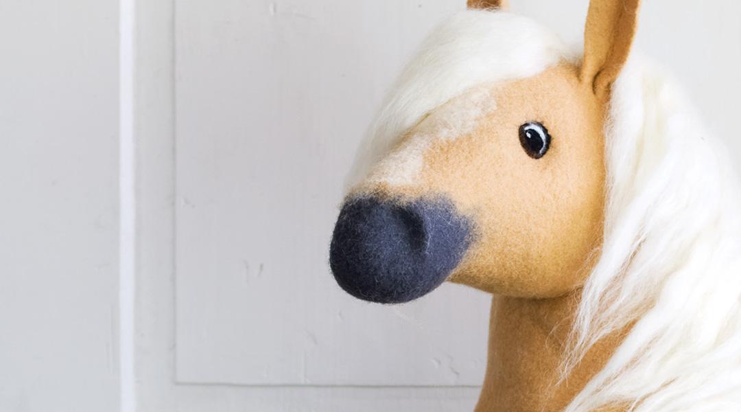 Gefilzte Schultüte mit Pferd. Entwurf und Ausführung Doris Niestroj | Filz & Form